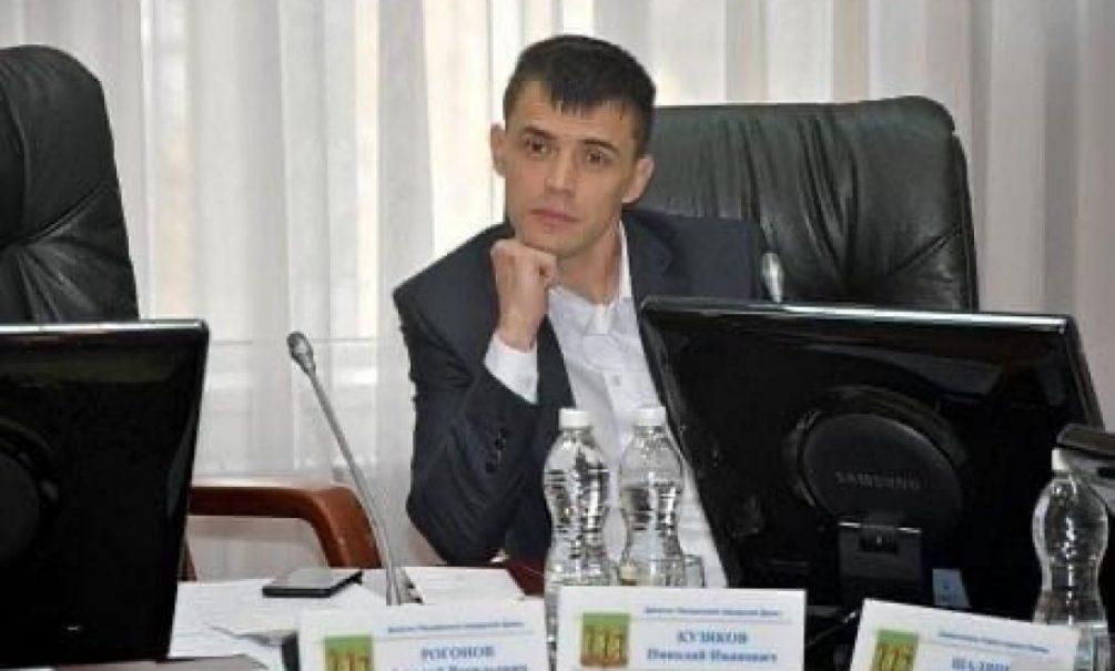Курят, пьют, не инвестируют: пензенский депутат обличил бедных