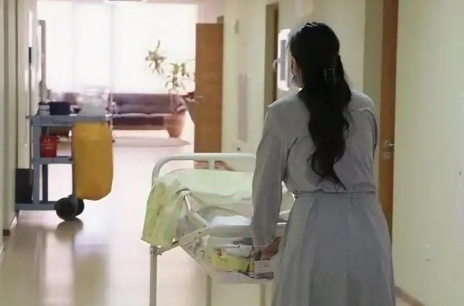 Юную сотрудницу питерской больницы изнасиловали на дежурстве