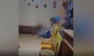 Медсестра в Перми избила больного ребенка его же рукой