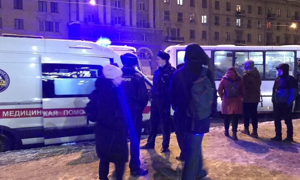 В Москве женщина задушила своих детей, после чего попыталась покончить с собой
