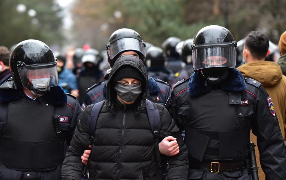 Протест сливают или это временное затишье? Эксперты обсуждают отказ штаба Навального от новых акций