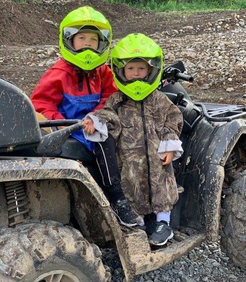 «Бентли с автоматчиками»: Светлаков объяснил своё решение забрать сына из элитного детского сада