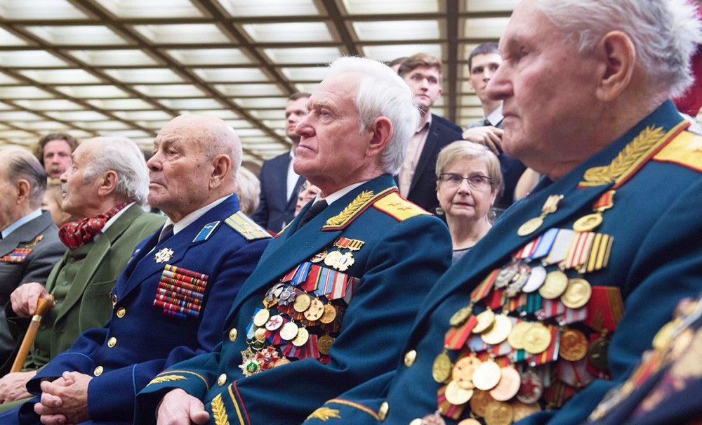 После дела Навального единороссы решили ужесточить наказание за оскорбление ветеранов