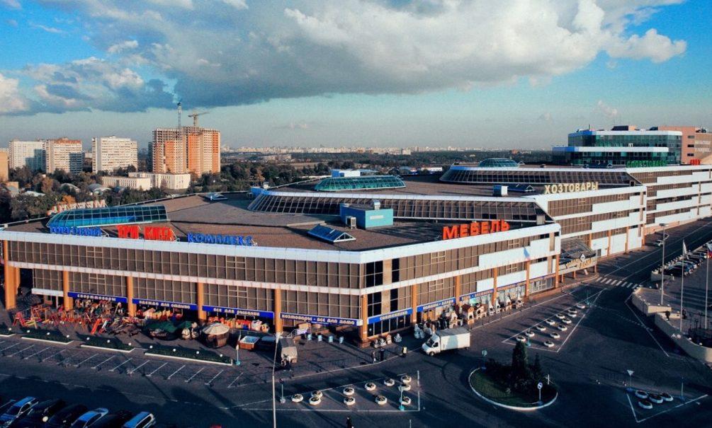 Владелец крупнейшего мебельного центра Европы «Три кита» заявил об очередном рейдерском захвате и предостерёг покупателей