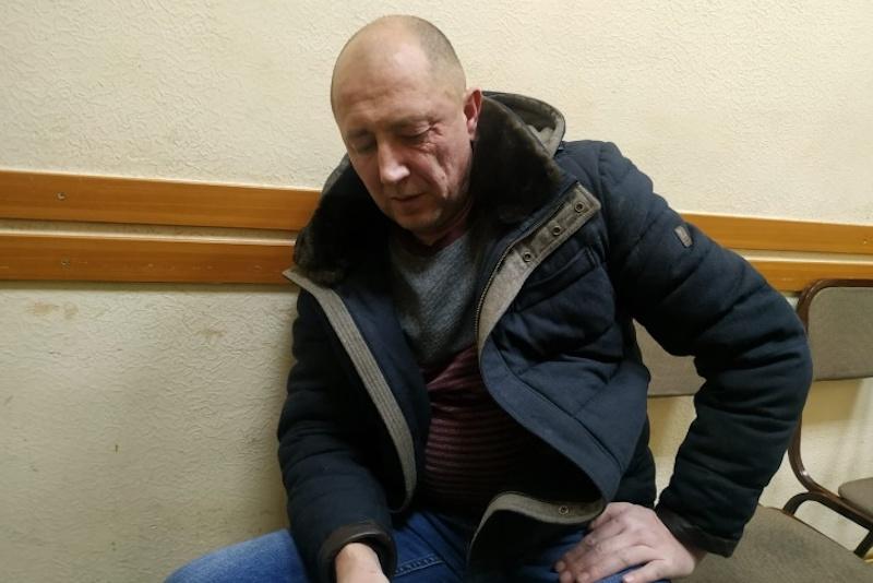 """Швырял на пол и бил ногами: омич применял к своим детям """"особые"""" методы воспитания"""
