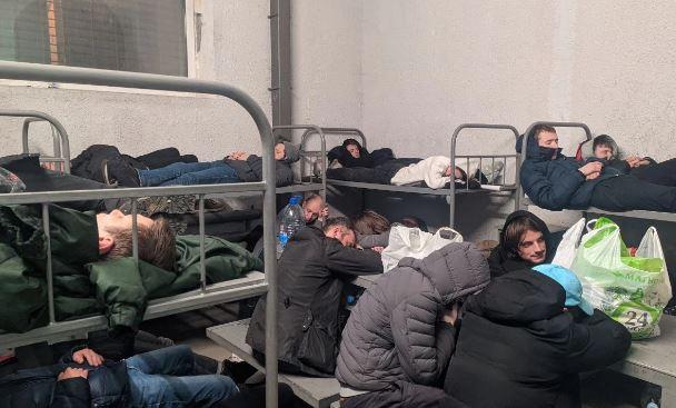 В спецприемнике Сахарово начались обыски: задержанные опасаются, что «их будут мурыжить»