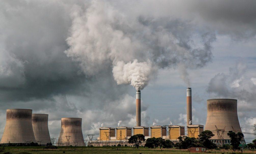 «Известия»: в России рекордно вырастут тарифы на тепло и электроэнергию