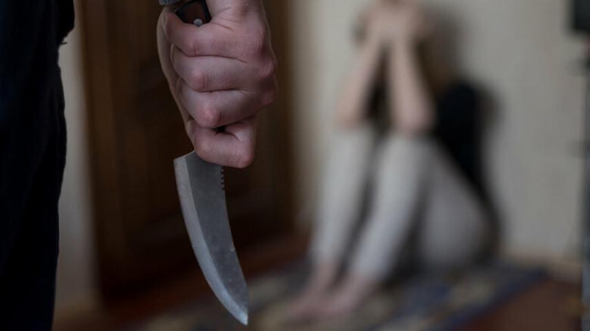 Мужчина обезглавил беременную жену и зарезал тестя из-за желания развестись