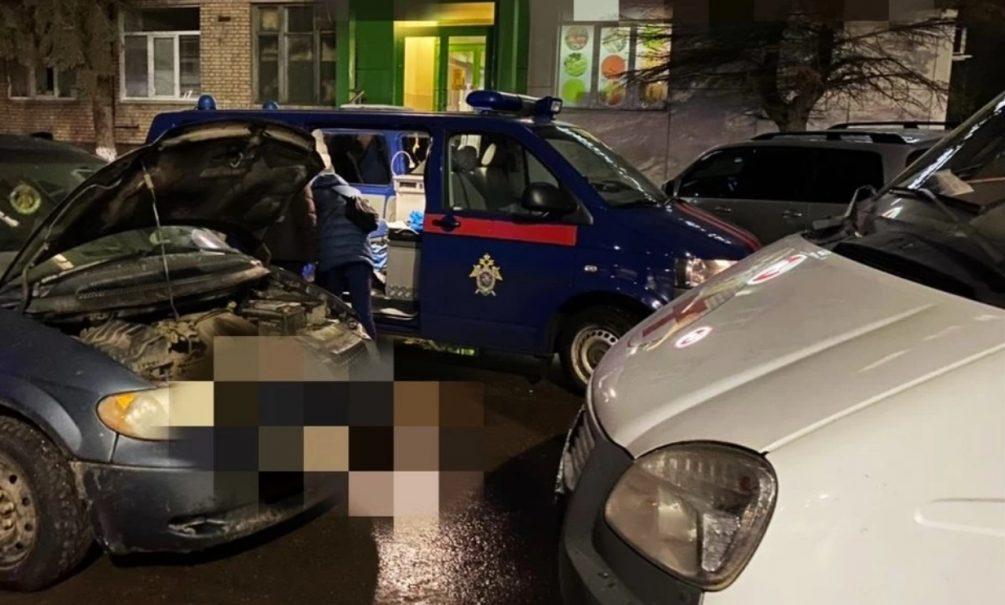 Двух женщин и младенца нашли мертвыми в машине на тульской улице
