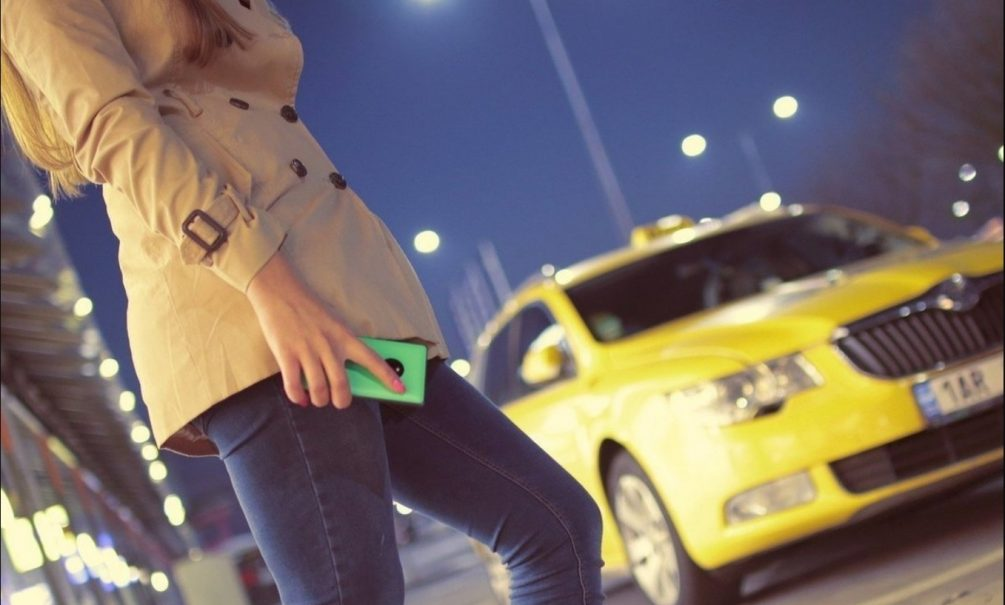 Пьяная москвичка обвинила таксиста в изнасиловании. Он сослался на «помутнение»