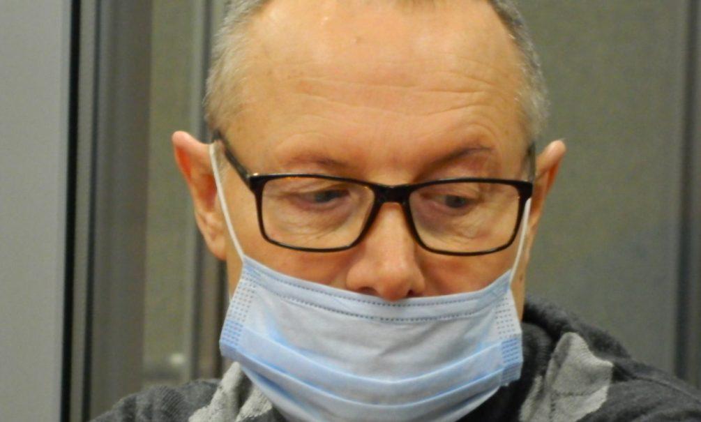 В Перми присяжные признали виновным пенсионера-орденоносца в покушении на убийство двух промышленных альпинистов, ремонтировавших фасадную плитку на доме