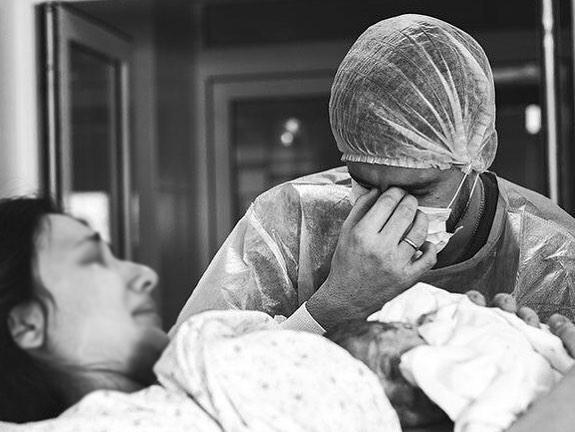 Ростовчанки потребовали уголовного расследования своих родов вобластном перинатальном центре
