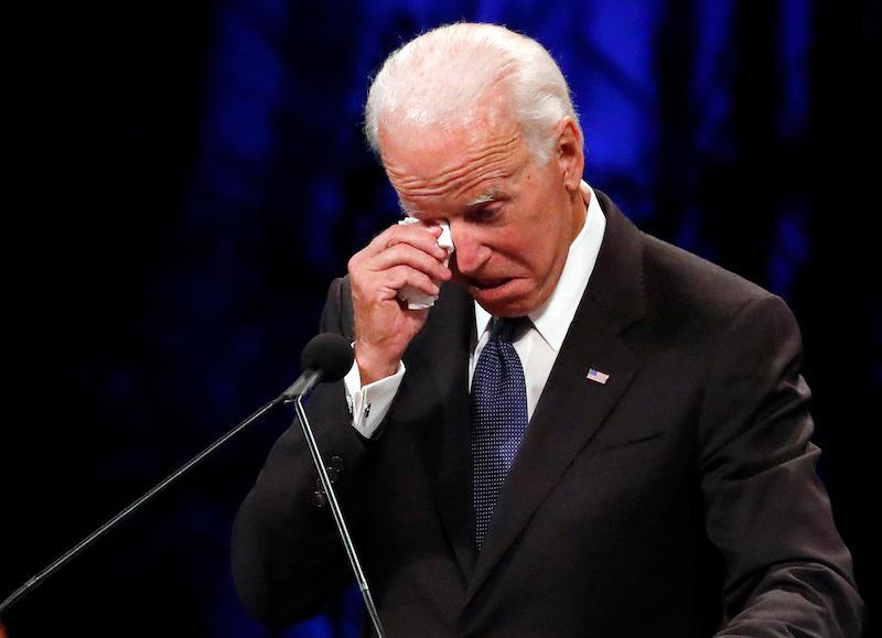 Бедный Байден: президент США снова дал повод пожалеть себя... трижды за день