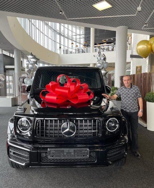 «Машина по цене двух квартир в Москве»: Гоар Аветисян сделала отцу шикарный подарок