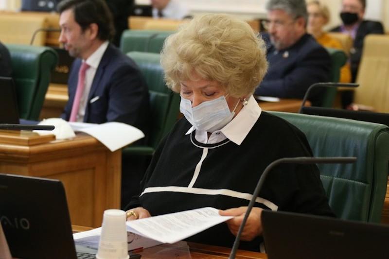 «Придурок какой-то»: Нарусова обозвала человека за «бомжеватый вид»