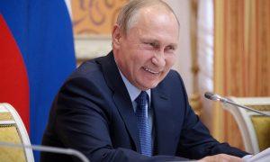 «В любое удобное для него время»: Путин пригласил Зеленского в Москву