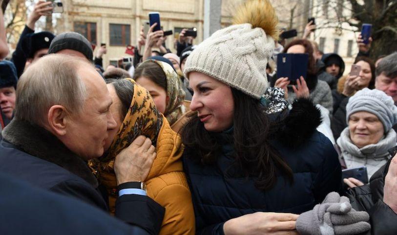 Захотевшая выйти замуж за Путина актриса из Иванова осталась без ухажеров