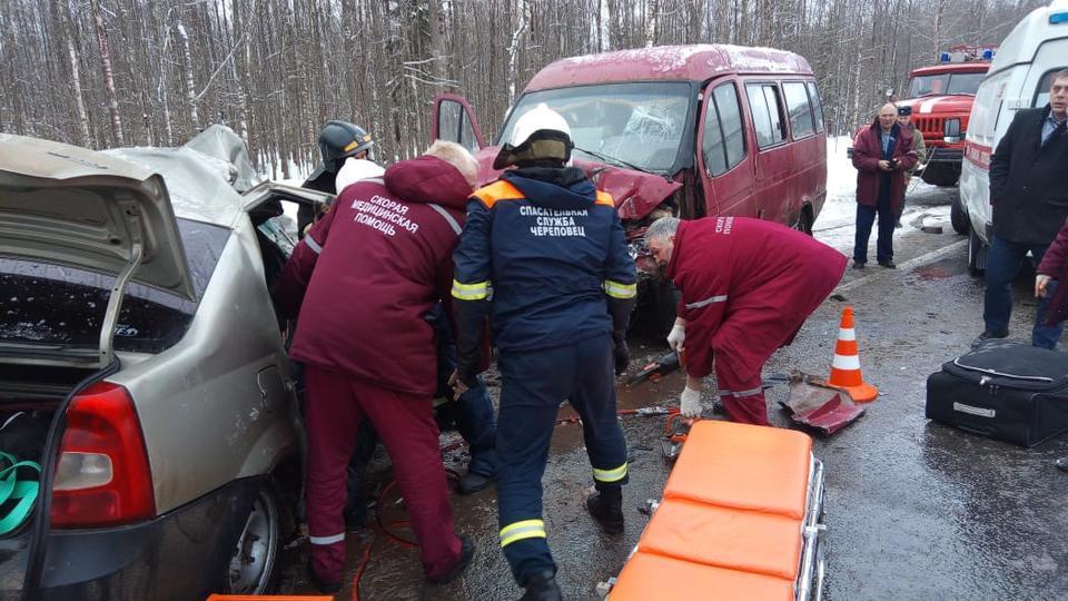 Двое взрослых и ребенок погибли в ДТП с микроавтобусом ФСИН под Череповцом