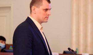 На Украине депутата областного совета исключили из фракции за  выступление на русском