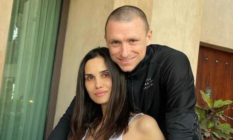 Жена футболиста Павла Мамаева подала на развод после скандала с изменой