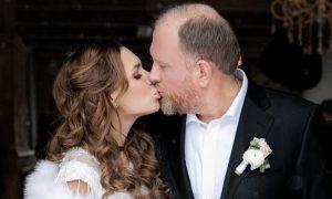 Шеф-повар Ивлев сыграл вторую свадьбу с молодой женой в кубанской станице