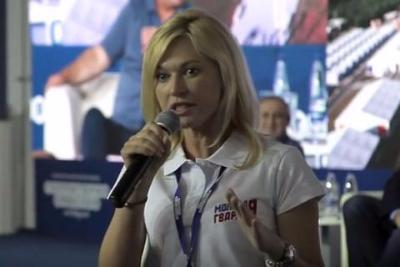 Опозорившаяся историей с айфоном единоросс Стенякина собралась в Госдуму от самого нищего города России