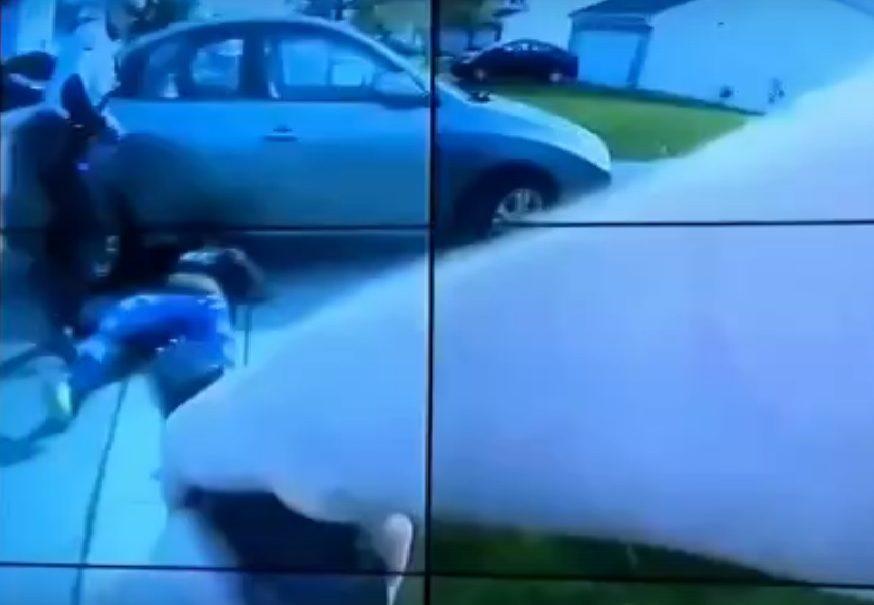 Американский полицейский расстрелял просившую его о помощи чернокожую девочку