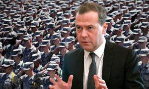 Медведев заявил о войне с Америкой