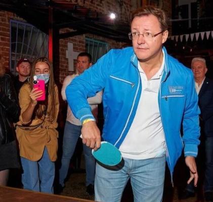 Слабое звено: самарского губернатора Дмитрия Азарова могут попросить «на выход»