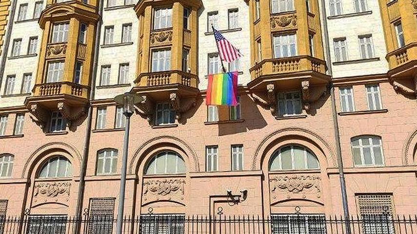 Посольство США прекратило выдачу виз россиянам