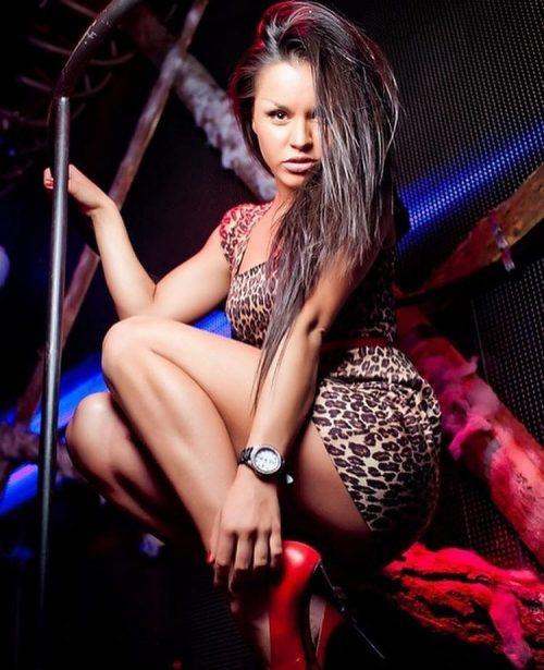 Танцовщица в ночном клубе: стало известно, кем работала Zivert, прежде чем стать известной
