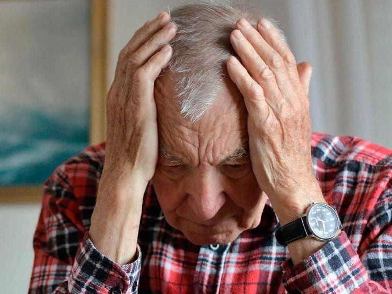 «Давай деньги, дед!»: 89-летнего жителя Таганрога ограбили среди бела дня