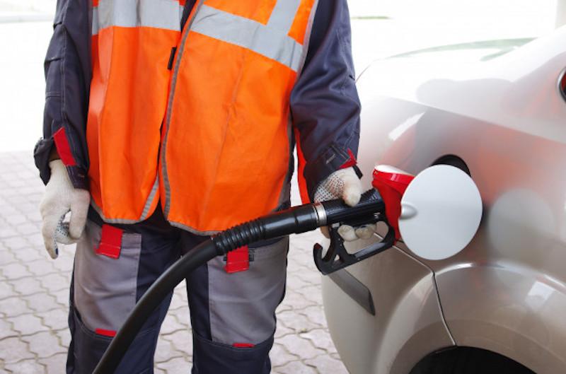 Цены на бензин шокировали россиян новым скачком