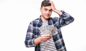 Выяснилось, что мешает россиянам разбогатеть