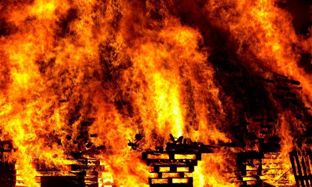 Боевики сжигают дома граждан Мозамбика, вынуждая их бежать из страны