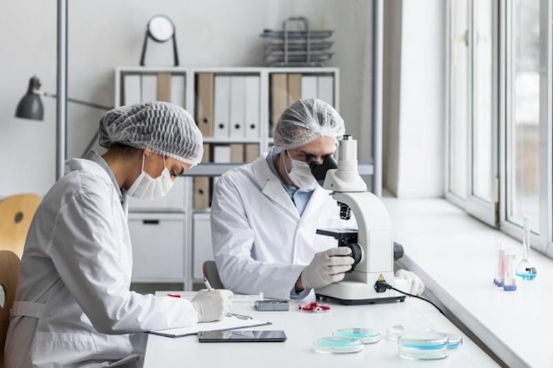Названы четыре открытия ученых о коронавирусе, сделанные за время пандемии