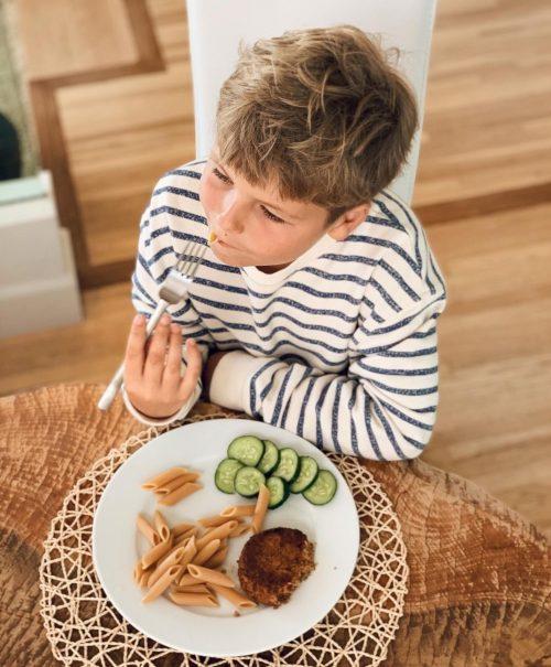 «Голодные игры»: Ирена Понарошку посадила 10-летнего сына на жесткую диету