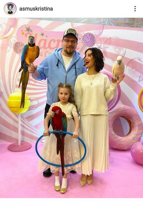 «И вот заветные 2 полоски»: Кристина Асмус рассказала, как узнала о беременности от Гарика Харламова