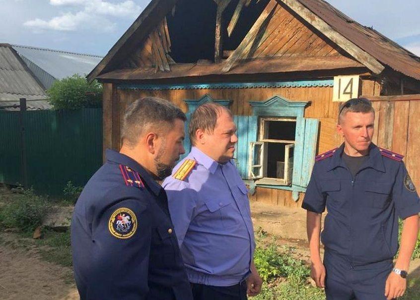 Мать с двумя дочками сгорели в частном доме под Оренбургом. Причиной пожара стал поджог