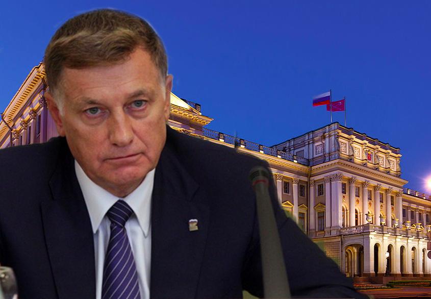 Вячеслав Макаров старается удержать контроль над Заксобранием