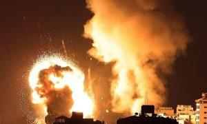 Израиль провел крупнейшую с начала конфликта атаку на сектор Газа