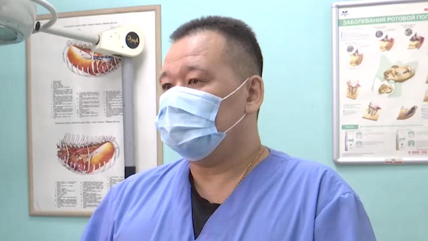 Ветеринара, раскрывшего схему «отмыва» миллионов рублей на убийстве собак в Бурятии, выжили с работы