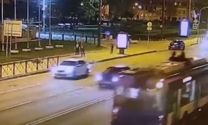 Трепанация черепа, кома, ИВЛ: солист Мариинского театра разбился, катаясь на электросамокате по Петербургу