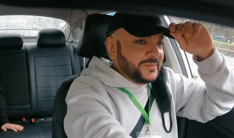 «Нет никаких принципов»: Киркоров поработал таксистом и узнал мнение россиян о себе