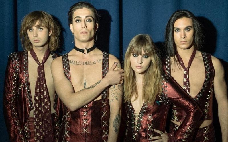 Скандал на «Евровидении»: солиста Maneskin заподозрили в употреблении наркотиков прямо во время шоу