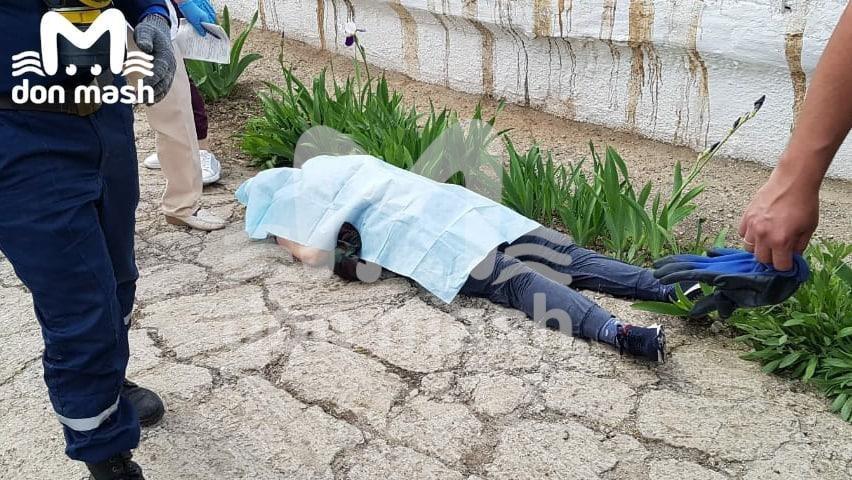 В Ростовской области бригада рабочих насмерть задохнулась испарениями в коллекторе