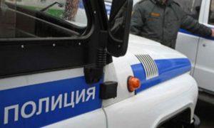 Четверо мужчин избили полицейских в Москве. Инцидент попал на видео