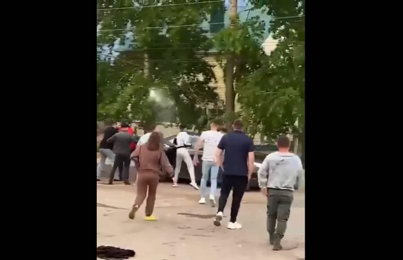 Устроили суд Линча: толпа едва не растерзала пьяного водителя, задавившего четырех человек под Кировом