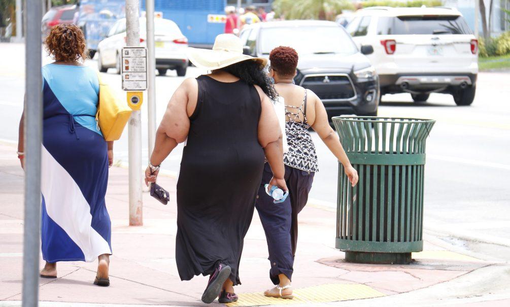 Болеют больше, но легче, а живут дольше: доктор Мясников раскрыл «парадокс ожирения»