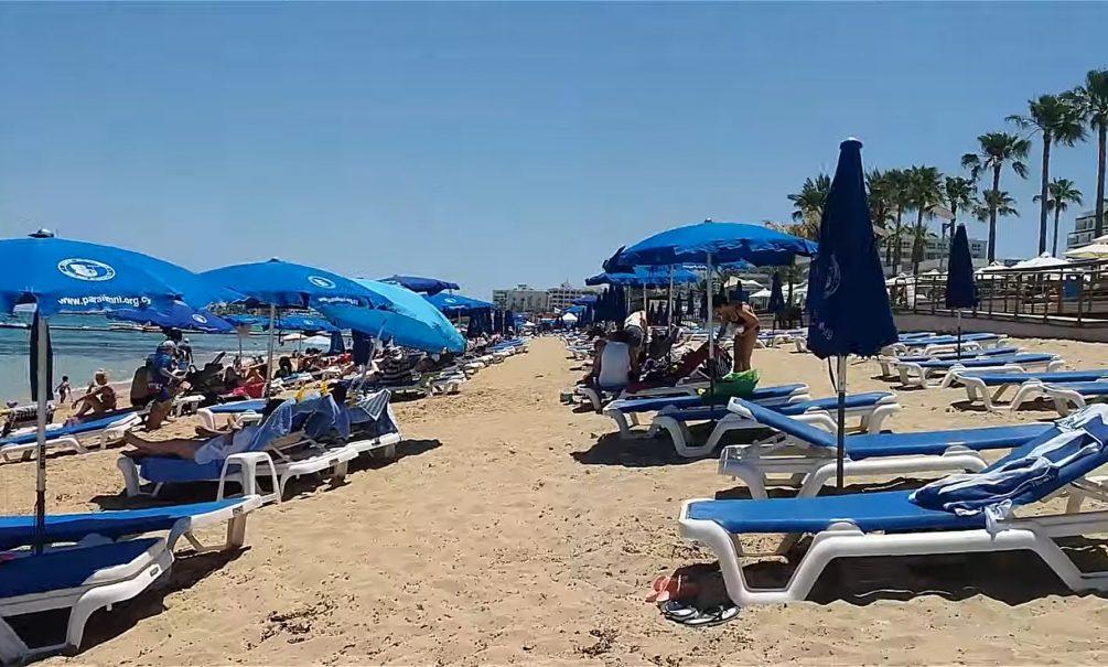 Россиян лишили лазейки на заграничные пляжи и предлагают штрафовать за любовь к «грязным лежбищам»
